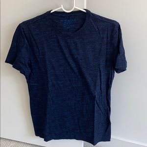 New Banana republic blue t-shirt crewneck
